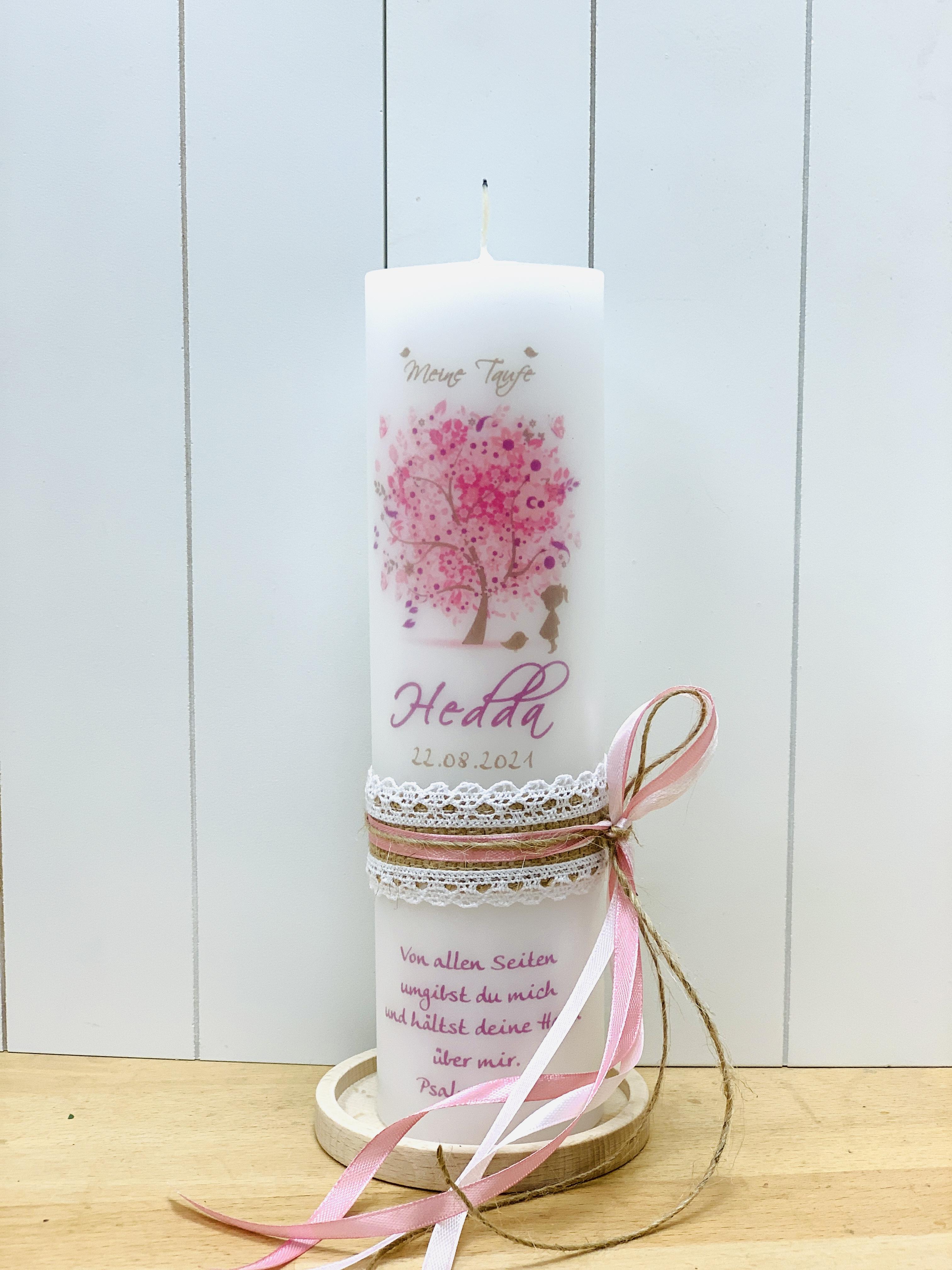 Baum des Lebens rosa mit schüchternem Mädchen mit Vintage Schleifenband (Motiv 12-2)